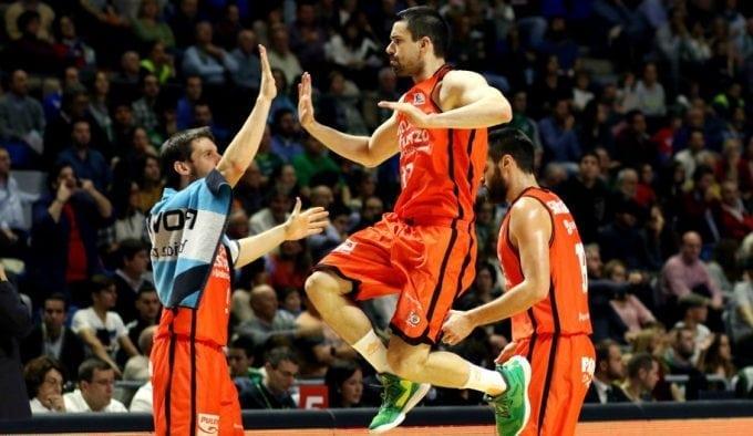 Rafa Martínez seguirá haciendo historia en Valencia: renueva por un año más