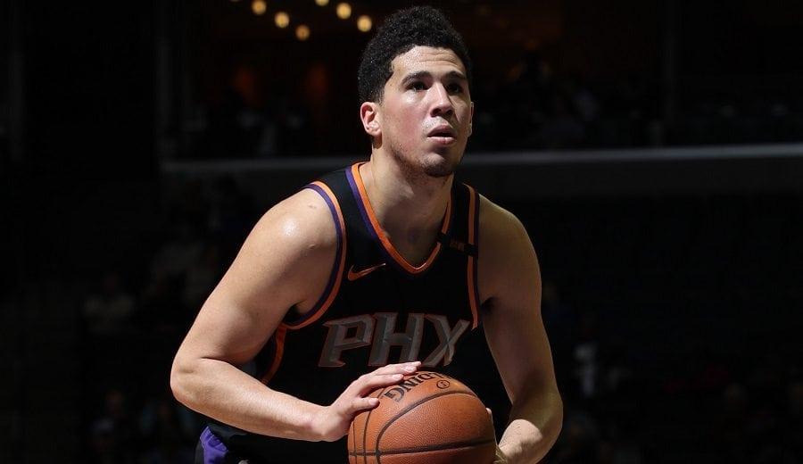 Baloncestista estadounidense Booker extiende contrato con los Suns