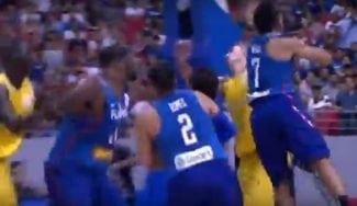 La FIBA sanciona a 13 jugadores por la tangana del Filipinas-Australia
