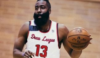 James Harden se luce en la Drew League… y casi se lesiona