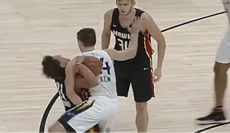 El polémico Grayson Allen empieza en la NBA con una tangana