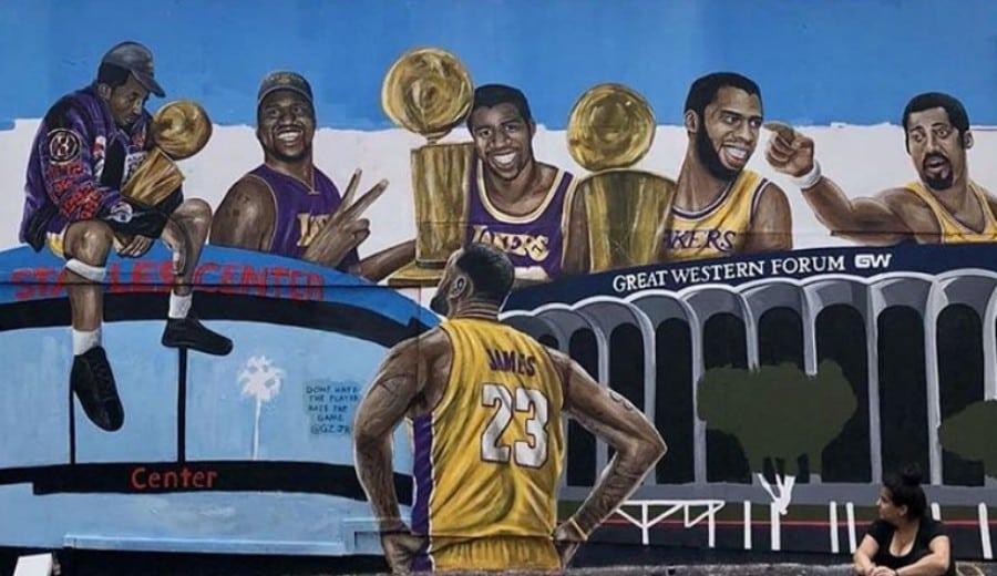 Pintan un nuevo mural 'antivandalismo' de LeBron James en Los Angeles