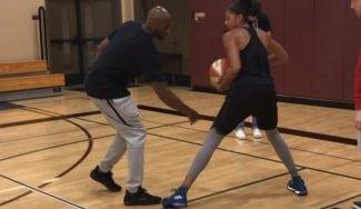 Candace Parker entrena su juego de pies con Kobe Bryant