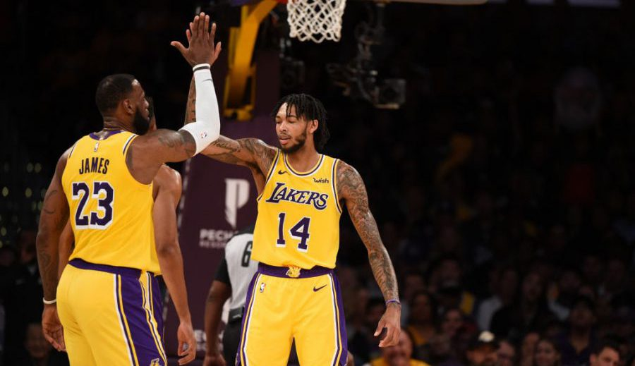 LeBron James alcanza los 32.000 puntos en la NBA