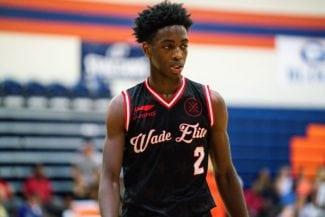 Zaire Wade, el hijo de Dwyane, demuestra sus habilidades sobre la pista
