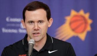 Los Suns despiden a su GM a una semana del inicio de la NBA