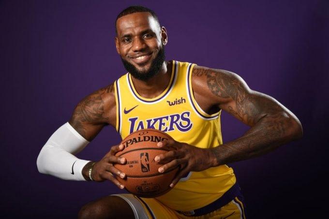 LeBron James monopoliza comerciales: Nike, Beats by Dre, ESPN…
