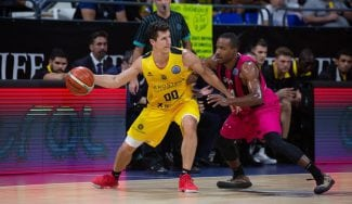 El Iberostar Tenerife arranca la Champions arrasando al Telekom Baskets Bonn
