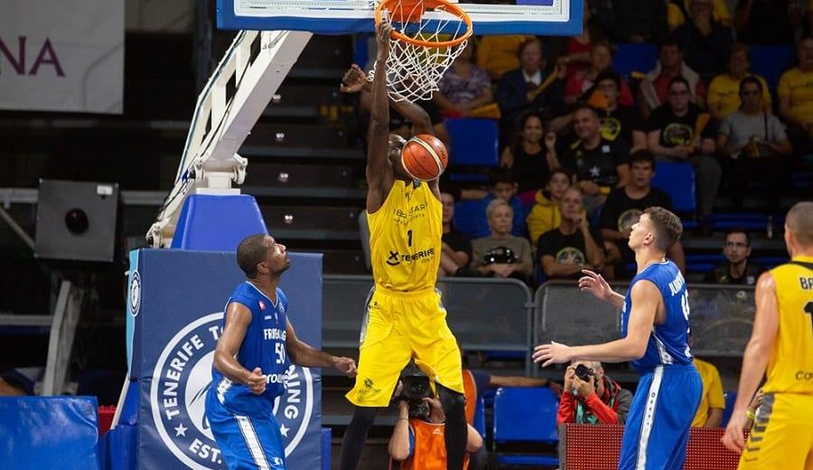 El Canarias gana al Friburgo: 'Petit' Niang, 12 puntos sin fallo en 14 minutos