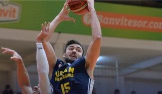 El UCAM Murcia sufre para ganar en la cancha del Banvit