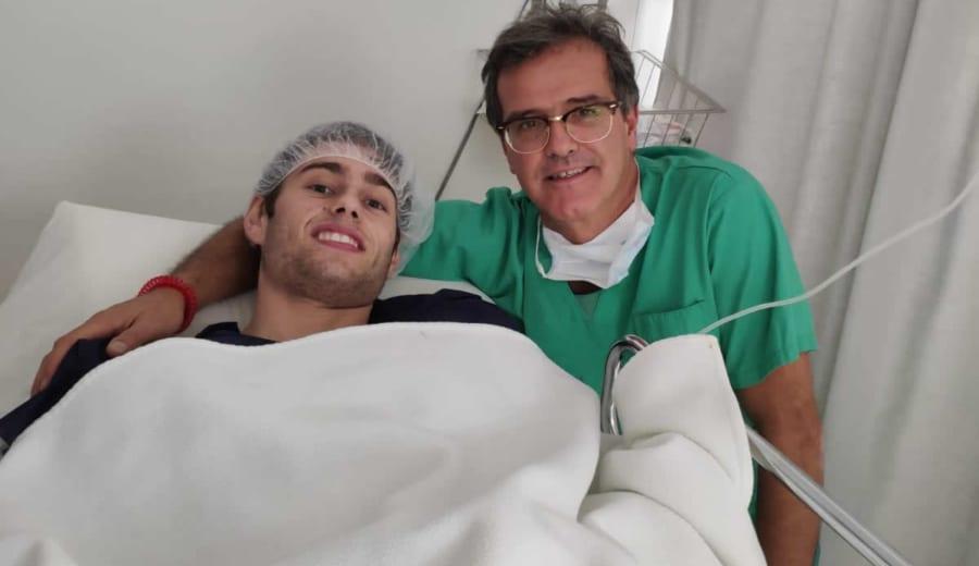 Pol Molins es operado con éxito en Barcelona
