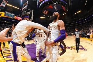Victoria apoteósica de los Lakers: mate y taponazo ganador