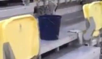 El colmo del Gran Canaria Arena: tras el parqué resbaladizo, las goteras