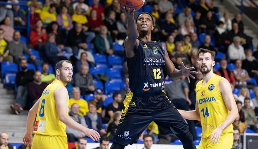 El Canarias sigue invicto tras una victoria sencilla ante el Opava