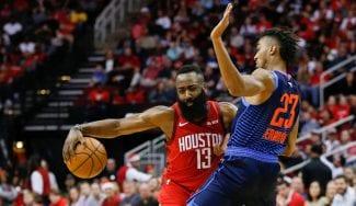James 'Bond' Harden regala una nueva victoria a los Rockets por Navidad