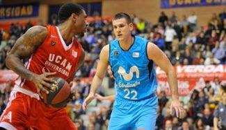 El Estudiantes y Berrocal toman aire con una victoria crucial en Murcia
