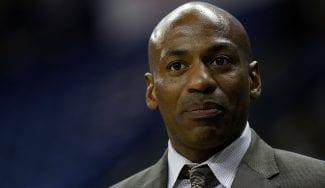 Después del conflicto con los Lakers por Davis, los Pelicans echan a su GM