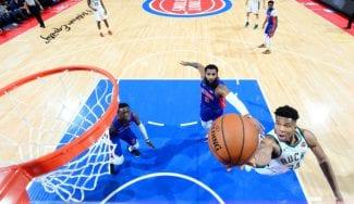 Los Bucks se meten en segunda ronda de playoffs por la vía rápida