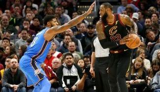 No sólo los Lakers intentaron unir a LeBron James y Paul George…