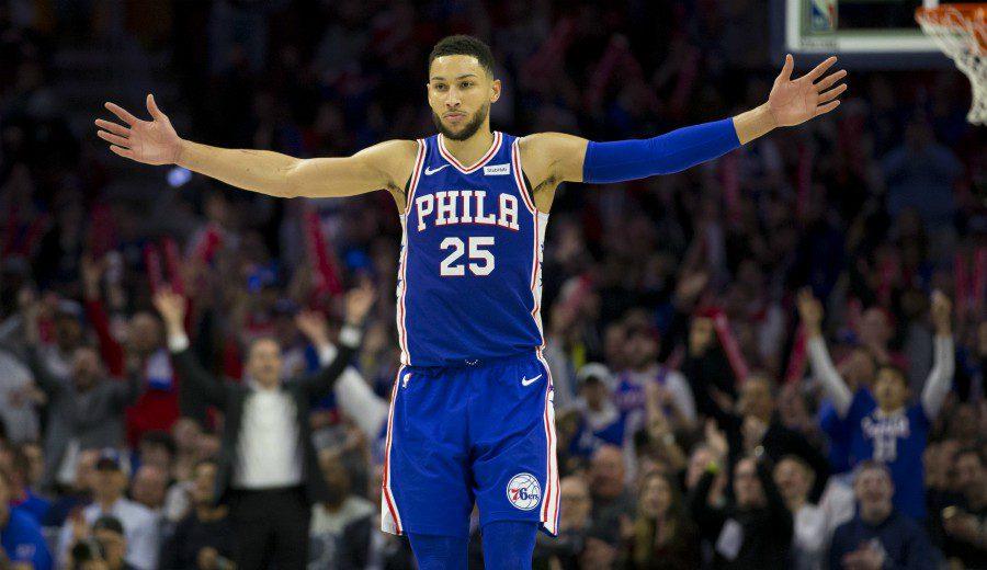 Un cuarto de récord y el triple-doble de Ben Simmons igualan la serie para Philadelphia