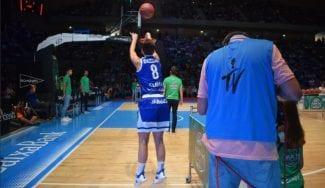 Participó en un concurso de triples ACB, y tras el descenso de su equipo, jugará en LF2