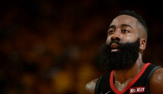 Los árbitros NBA sacan las uñas: «No hubo falta sobre James Harden»