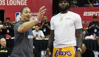 Tyronn Lue, cada vez más cerca del banquillo de los Lakers
