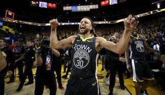 Los Warriors remontan a Portland y se hacen fuertes en casa (2-0)