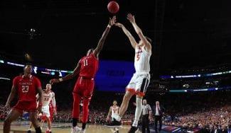 Cambios en la NCAA: estudian poner la línea de tres puntos a 6,75