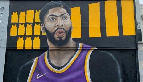 Anthony Davis ya tiene su propio mural con el uniforme de los Lakers