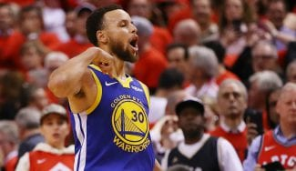 Los Warriors sobreviven al primer mach ball de los Raptors