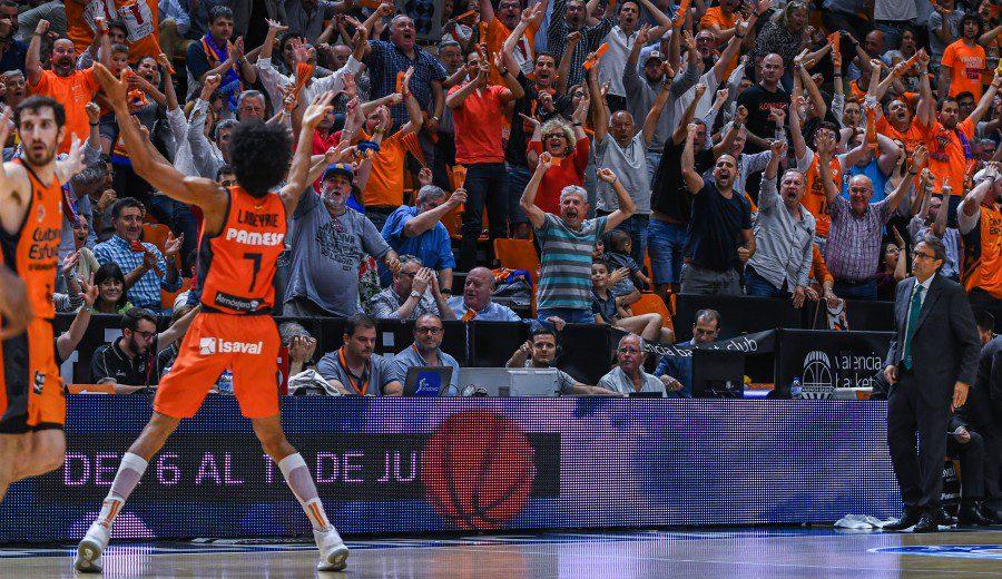 El Valencia Basket hace los deberes en casa y se mete en semifinales