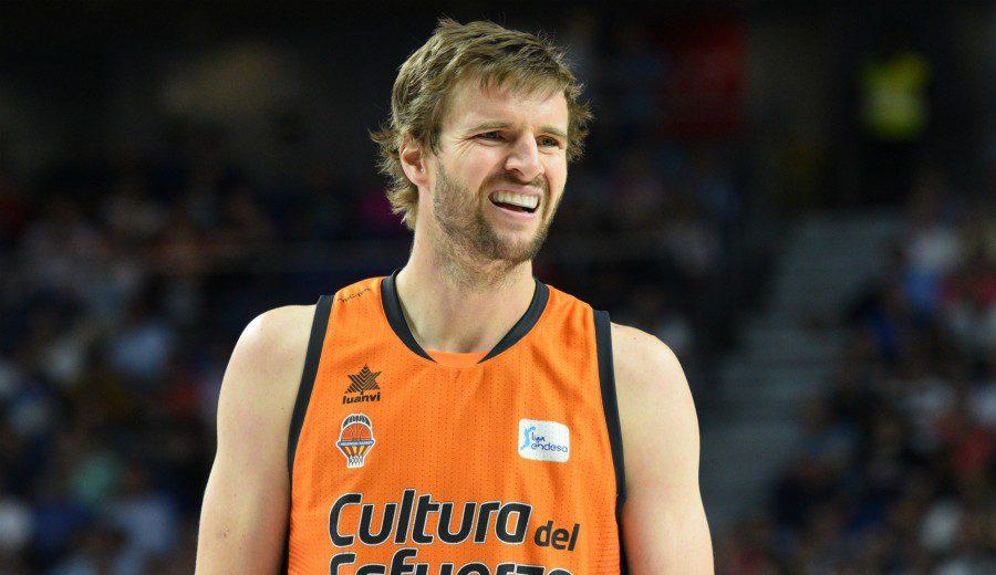 Aaron Doornekamp renueva con el Valencia: «Era mi prioridad»