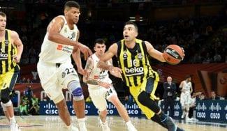 Ya es oficial: el griego Sloukas renueva con el Fenerbahçe