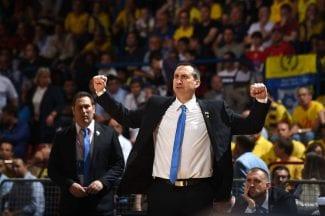 Alucinante: los fans del Maccabi, entregados a David Blatt