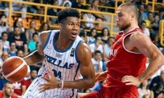 Antetokounmpo vuelve a jugar y destaca con Grecia: hubo más amistosos