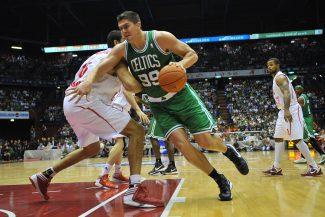Seis años después… ¡el ex NBA Darko Milicic vuelve a las canchas!