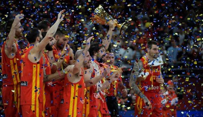 Otros campeones del mundo felicitan a la selección española