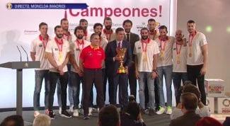 Pedro Sánchez alaba el discurso de Ricky: «Llegaste al corazón de todos»