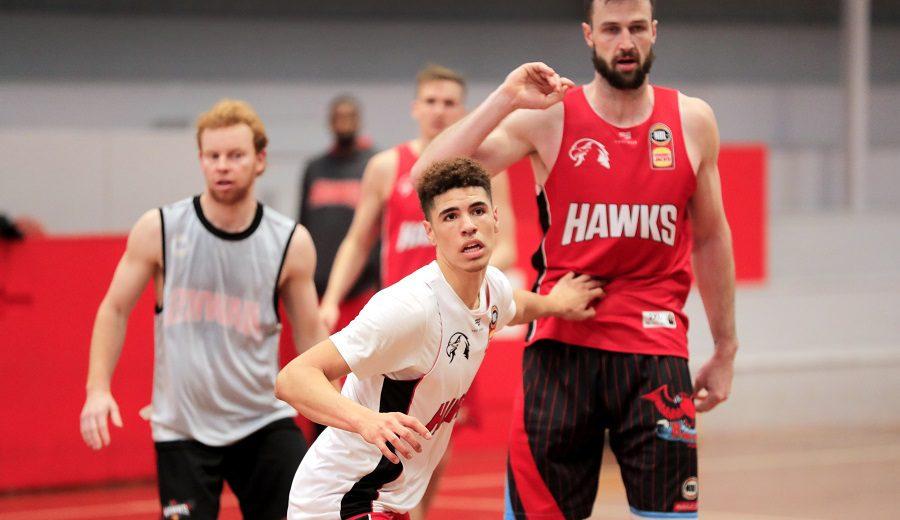 LaMelo Ball debuta en Australia y 5 equipos NBA ya preguntan por él