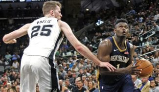 Zion Williamson sigue rompiendo barreras: doble-doble en casa de Popovich
