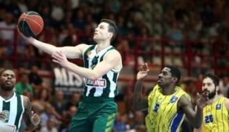 Exhibición de Jimmer Fredette: mete seis triples con Panathinaikos