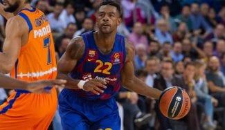 El Barça suda hasta el final en el duelo español y sigue invicto