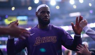 Los Angeles Lakers vuelven a ganar a los Warriors… y de paliza