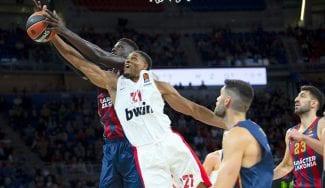 El Baskonia barre al Olympiacos con un Youssoupha Fall de récord