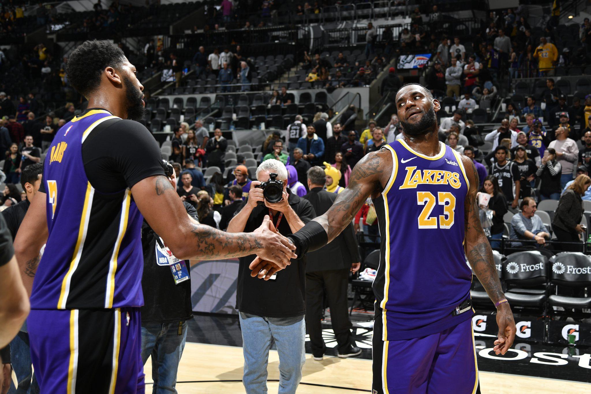 Los Lakers, líderes y con números que no se veían desde hace 6 años. LeBron, otro triple-doble