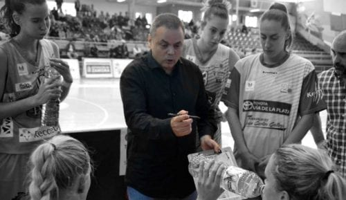 Otro entrenador de élite femenino que se marcha a Islandia: conoce sus razones
