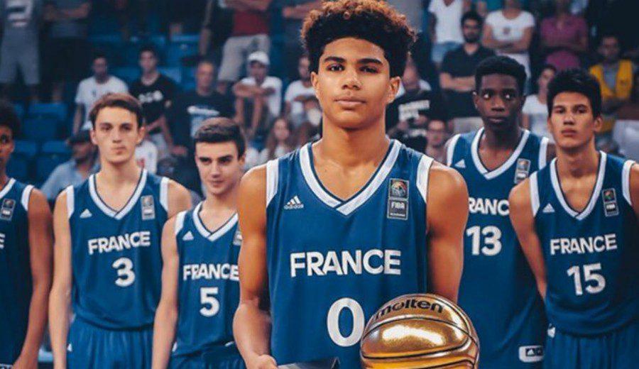 12 scouts NBA presenciando su partido. ¿Quién es este frances? Te lo presentamos