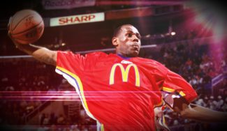 LeBron James, liderando su camada de adolescentes. El McDonald's All-American de 2003 completo