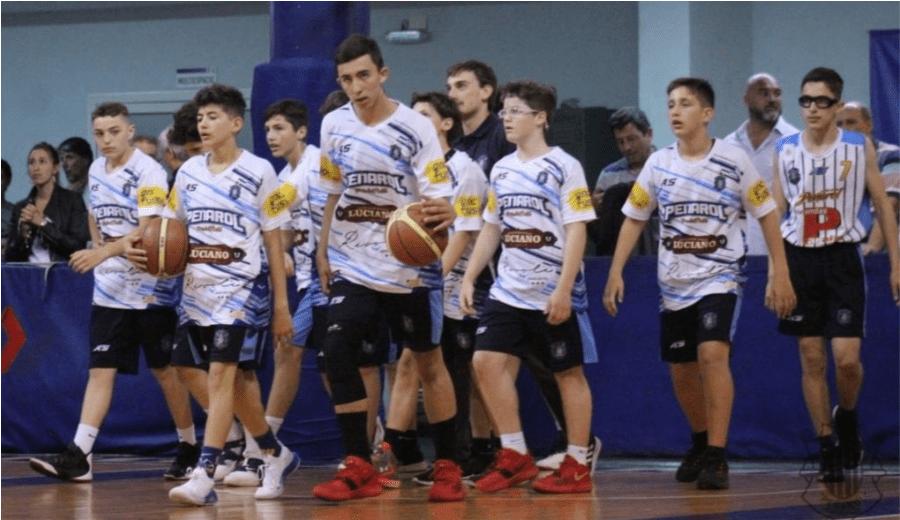 El argentino de 13 años que ha anotado 78 puntos en 20 minutos (Vídeo)